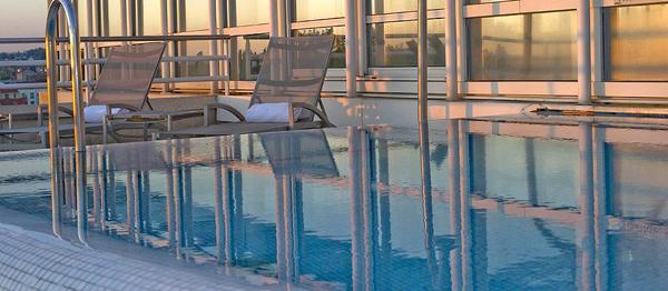 VICHY-SPA-HOTEL-piscine-hotel-1
