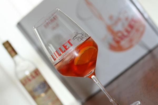 Un bon bouquin, un joli verre... Tout pour un week-end réussi ! - Poulette Blog