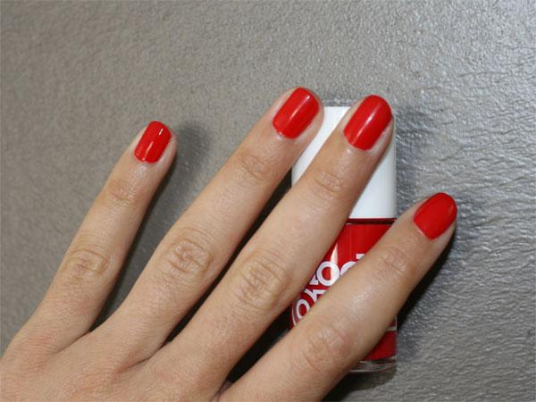 Extrêmement tout !! J'ai le vernis à ongles rouge parfait et à moins de 6 euros - AD19