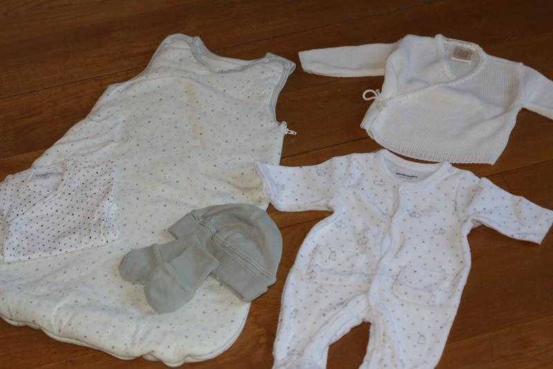 Petits trousseaux maman et b b pour la maternit poulette blog - Couche maternite pour maman ...