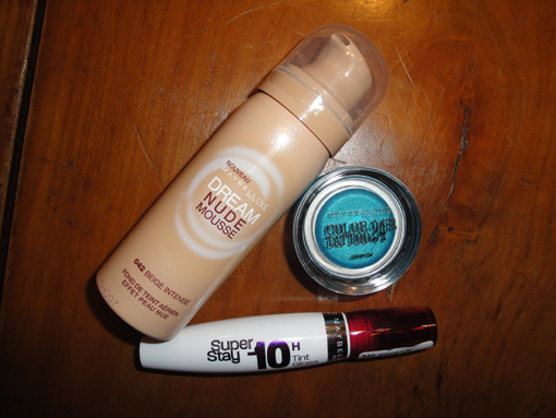Dream Nude Mousse, Color Tatoo 24h et SuperStay... Testez vous aussi les nouveautés Gemey Maybelline [concours]  - Poulette Blog