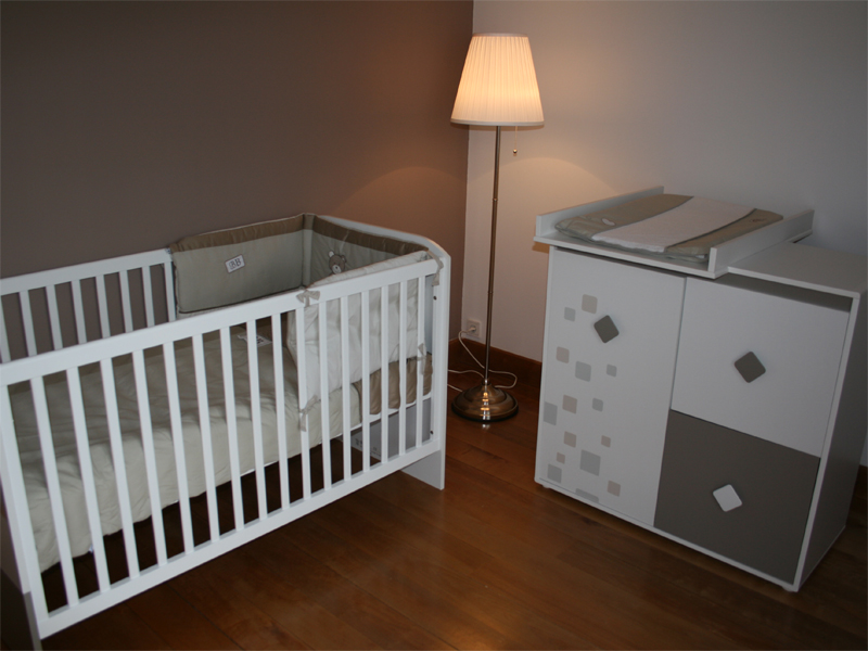 Une jolie chambre de bébé garçon